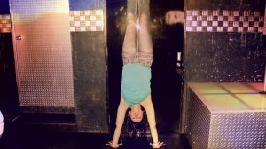 Gin and Tonic Handstand