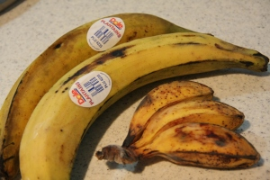 The plantain has a sticker... that says: Plantain!