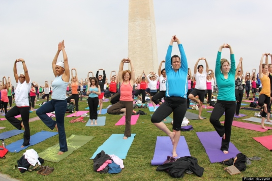 Yoga/texting in Washington D.C.